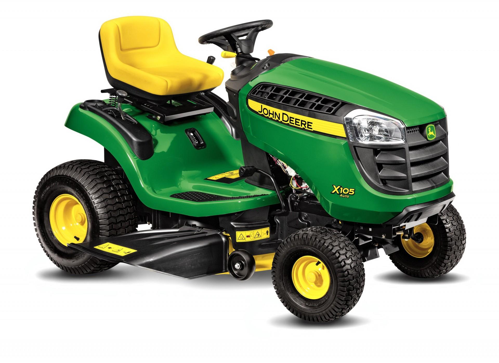 John Deere X105 Auto lawn tractor_studio